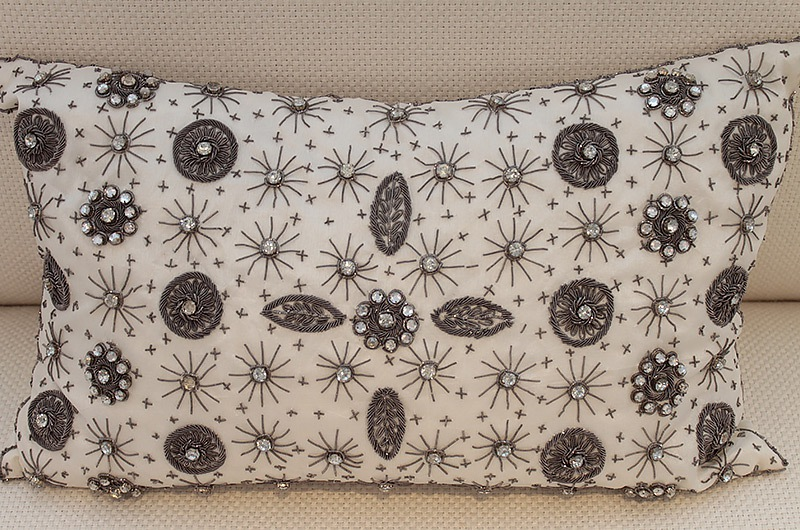 Accent Pillows - Page 6 Come Play